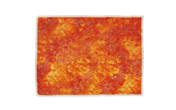 Base de pizza congelada rectangular con tomate